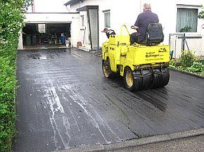asphalt asfalt belag asphaltarbeiten a 1 hofeinfahrt wegebau garten asphalt bofinger gehweg wege. Black Bedroom Furniture Sets. Home Design Ideas